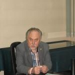 Janusz Sanocki podpisuje ksiązki - fot. Rajmund Pollak