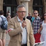 Dr hab. Józef Brynkus mówi oPowstaniu Warszawskim naRynku Głównym wKrakowie