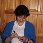 Iwona Sadowska podpisuje autografy