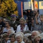 Media nagrywają koncert iśpiewanie nieZakazanych Piosenek - fot.Anna Sztandur