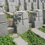 Barbarzyńskie zniszczenia cmentarza naRosie wWilnie 10