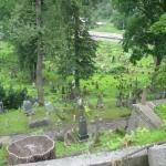 Barbarzyńskie zniszczenia cmentarza naRosie wWilnie 7