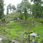 Barbarzyńskie zniszczenia cmentarza naRosie wWilnie 8