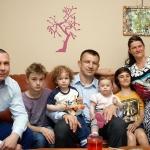 Rodzina Mateusza Gruźli zTomaszem Adamkiem