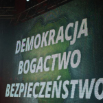 Demokracja, bogactwo, bezpieczeństwo