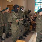 Uczniowie szkłoy mundurowej namszy świętej 11.11.2015r. wWadowicach