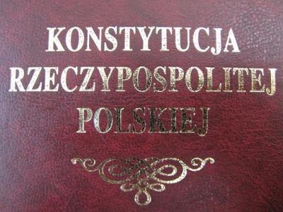 Konstytucja-Rzeczypospolitej-Polskiej-fot-za-naszapolska.pl_