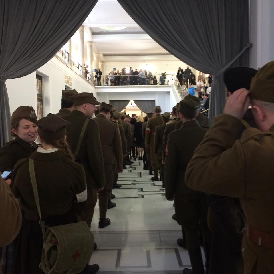 Grupy rekonstrukcujne wSejmie nakonferencji ku czci Żołnierzy Wyklętych