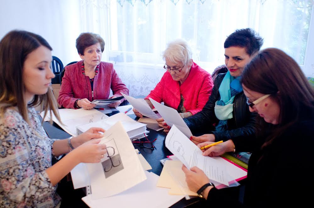 komisja-ocenia-prace-w-konkursie-literackim-rotmistrz-pilecki-bohater-niezwyciezony