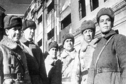 """Kartoteki żołnierzy sowieckich skierowanych do""""bycia Polakami"""""""
