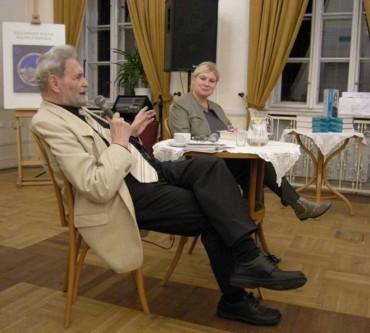 bohdan-urbankowski-i-marta-poltorak-na-spotkaniu-autorskim-w-krakowie