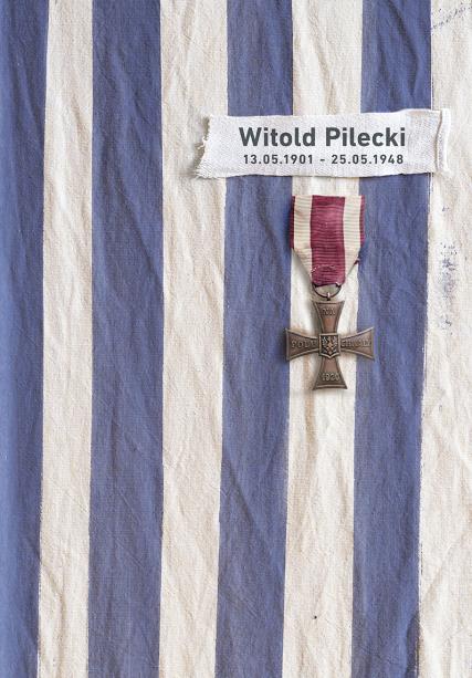 grzegorz-mycka-z-zielonej-gory-iii-nagroda-w-miedzynarodowym-konkursie-na-plakt-pt-rotmistrz-pilecki-bohater-nizewyciezony-raport-z-auschwitz