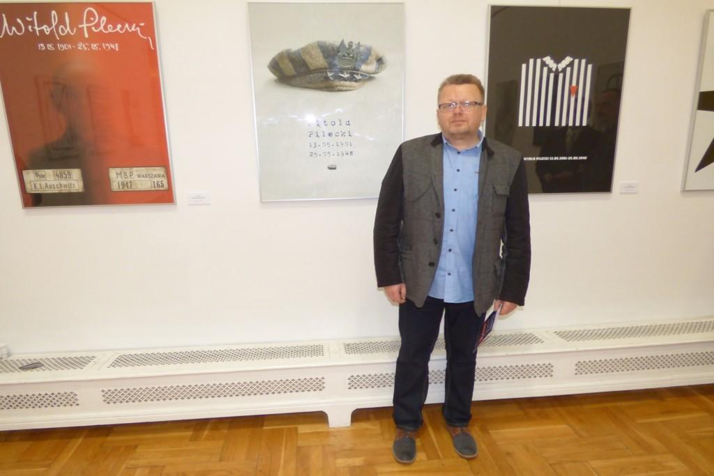 zbigniew-babinski-zwyciezca-miedzynarodowego-konkursu-na-plakat-rotmistrz-pilecki-bohater-niezwyciezony-raport-z-auschwitz