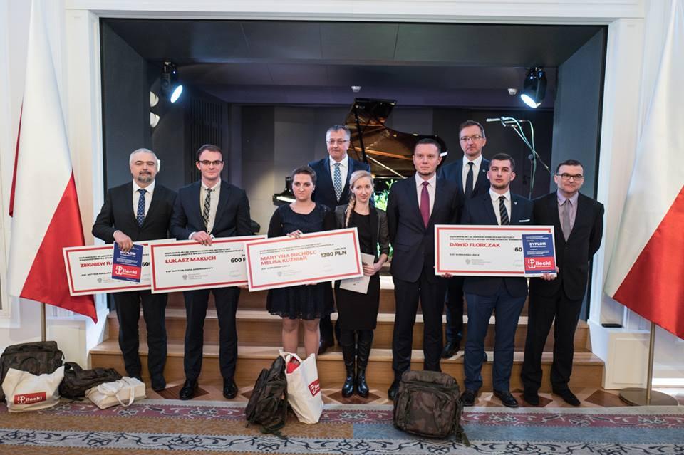 nagrody-dla-zwyciezcow-oglnopolskiego-akademickiego-konkursu-historycznego