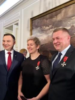 prezydent-rp-andrzej-duda-i-anita-wlodarczyk-z-trenerem