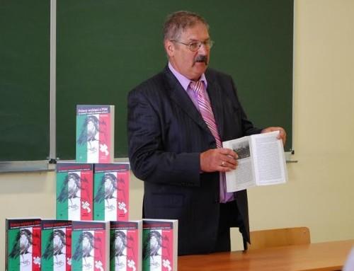 Bezpartyjny senior niewpuszczony naprzemówienie Prezesa PiS nawyższej uczelni ATH