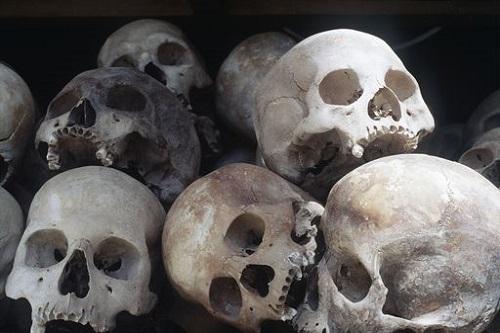 """Mordercy, bandyci, zbrodniarze, ludobójcy stali się """"bohaterami"""" XX wieku"""