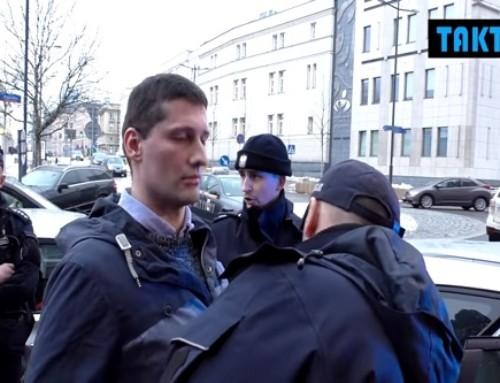 Policja pojawia się nazamkniętym spotkaniu zbanowanych YouTuberów izatrzymuje Mareckiego