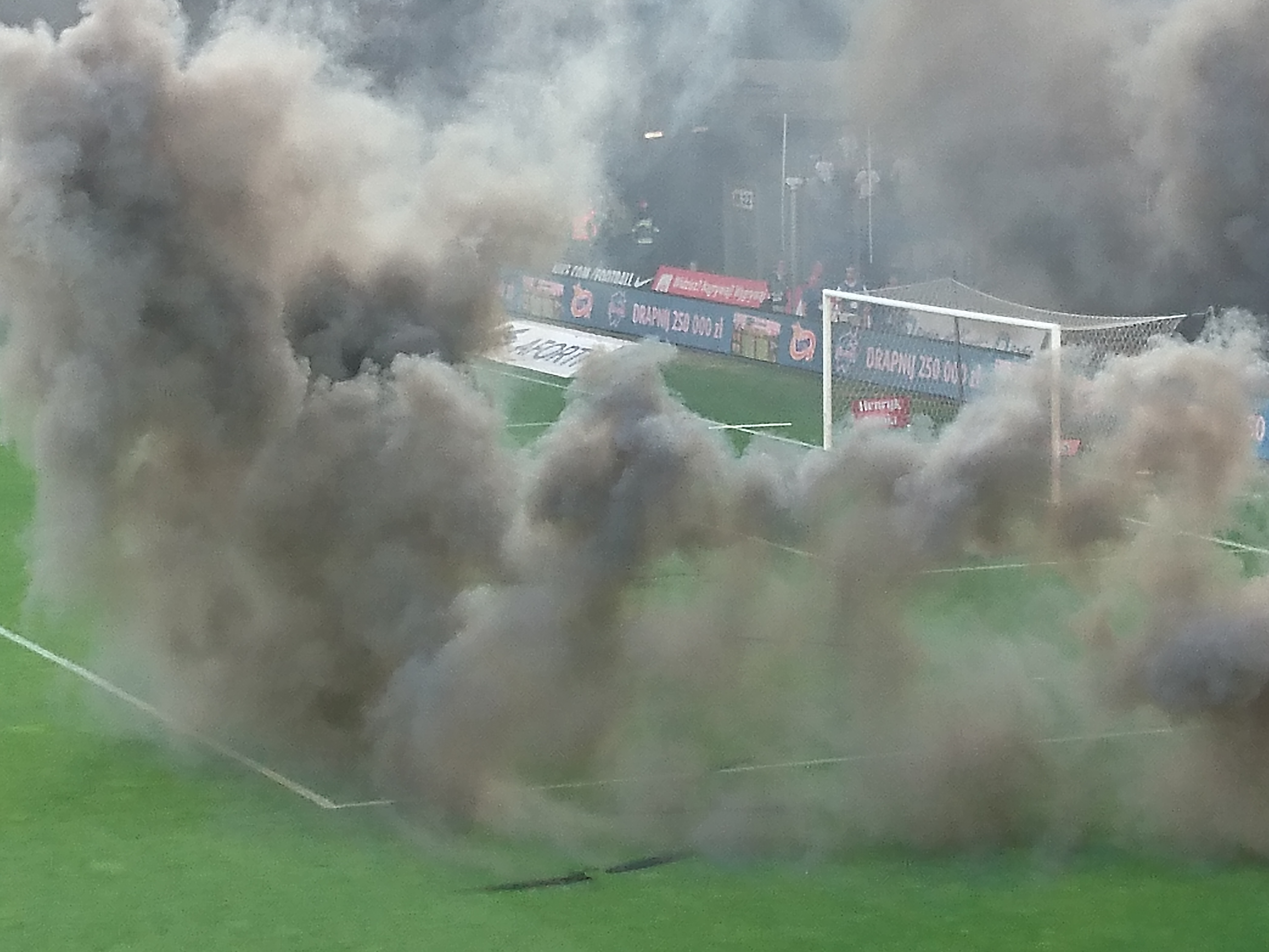 Kibice Lecha Poznań odpowiedzieli nawieloletnie kpiny zestrony władz klubu