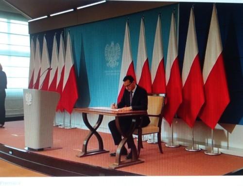 Niezrozumiała polityka zagraniczna premiera M. Morawieckiego