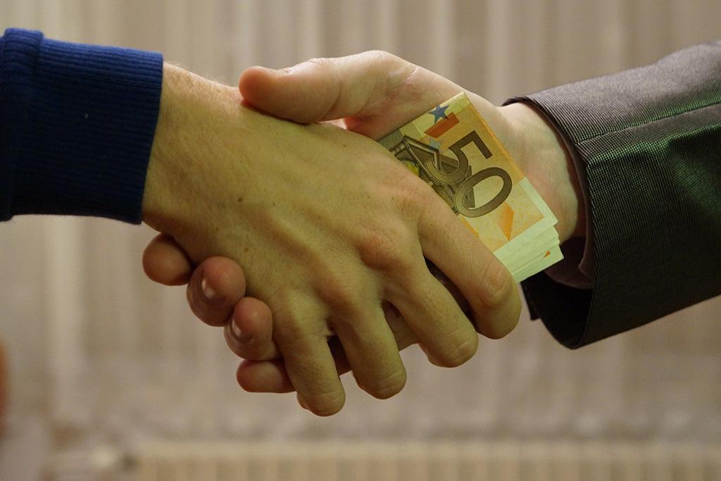 Umowa pożyczki – forma zawarcia, elementy umowy izasady odstąpienia
