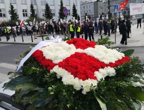 VIII Marsz zPortretami Ofiar Katastrofy Smoleńskiej- Solidarni 2010, Warszawa A.D. 2019