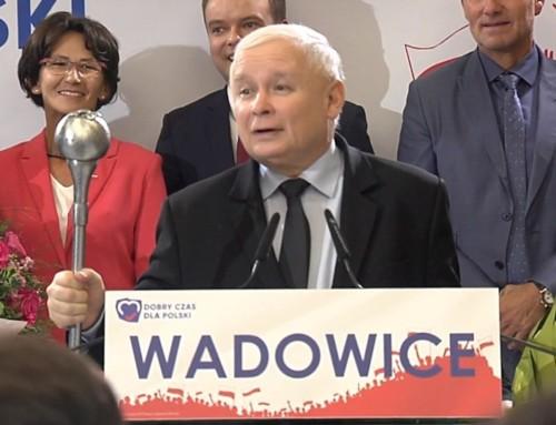 """WWadowicach #DobraŚciema zeswoją """"obwoźną trupą"""" mamiła Polaków kolejnymi obietnicami"""
