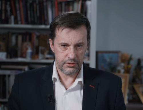 """Gadowski doBiedronia: """"Robienie ideologii politycznej zeswojego rozporka. Gówniarzu"""""""