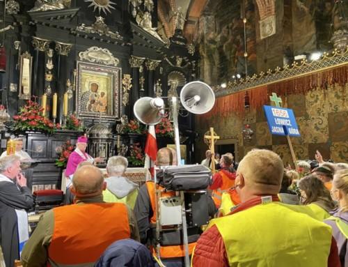 """Biskup Zawitkowski mówił o""""panach piastujących władzę"""" ido""""policyjnych kruków"""" naJasnej Górze!"""